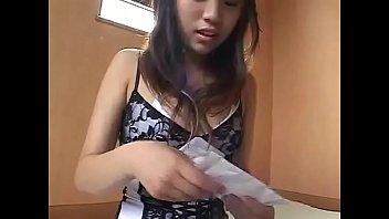Анальный жесткий фистинг для красивенькой азиатки