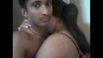 Секс с доступными девчушками и с одним мужиком в гостиной