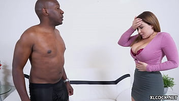 Студенточка с огромными дойками дрюкается в хентай порева