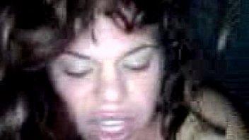 Горячие лесбияночки в большой ванной устроили разврат