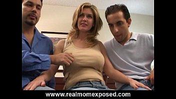Удивительная парочка трахается перед веб камерой
