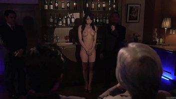Русская телка возбудила мужчины до кончи с помощью анального секса
