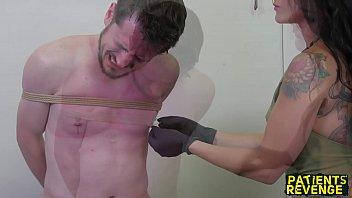 Русский гинеколог и студентка урок попе